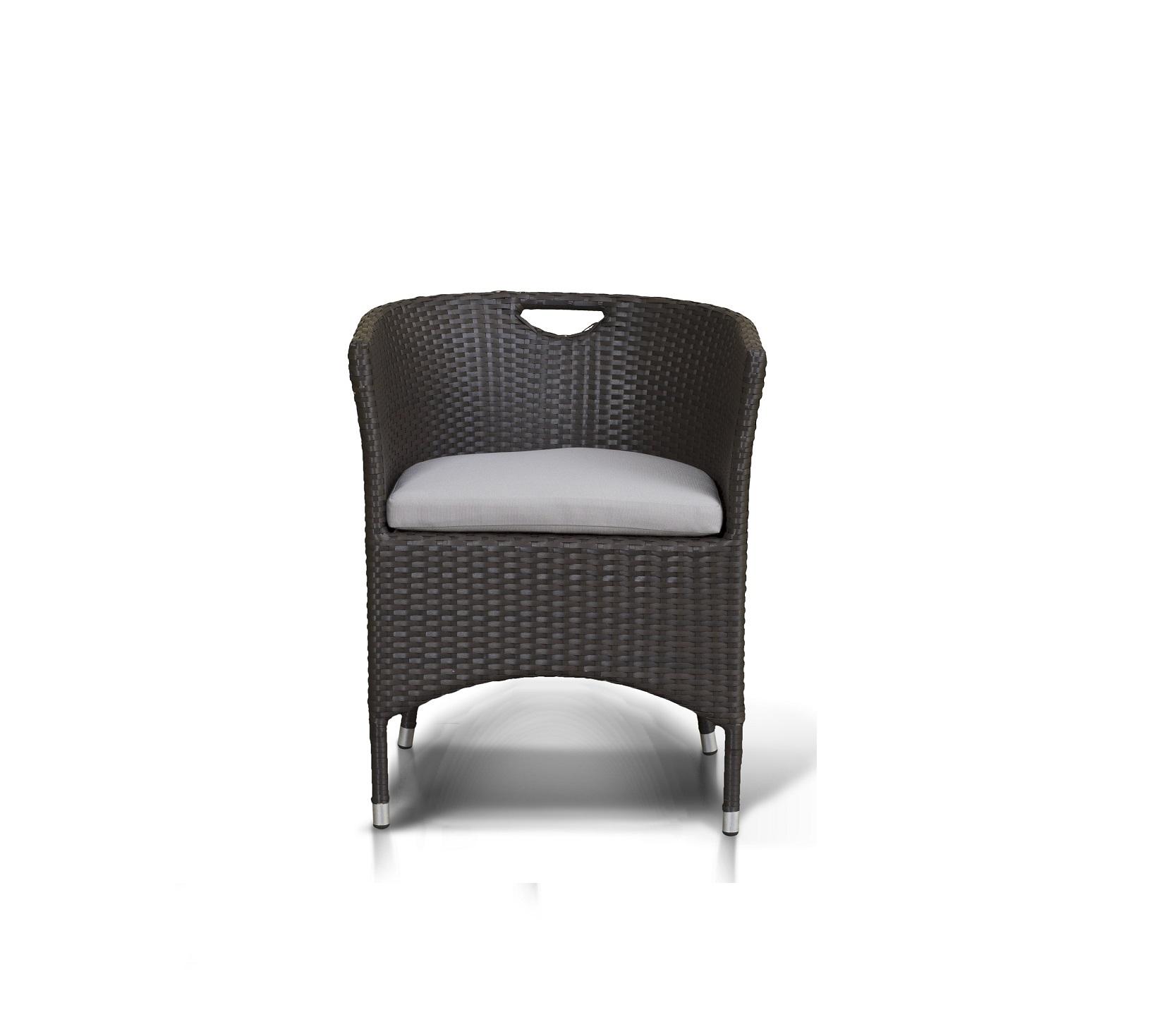 Кресло комплекта мебели ПратоСтул с подлокотниками в комплекте с подушкой, алюминиевый каркас, искусственный ротанг.<br><br>Material: Ротанг<br>Length см: None<br>Width см: 57<br>Depth см: 55<br>Height см: 70<br>Diameter см: None