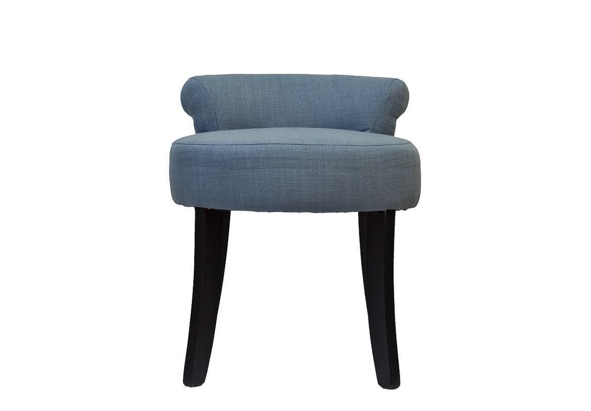 СтулТабуреты<br>Очаровательный стул с легким и веселым характером. Корпус сделан из массива березы и покрыт темным лаком. Обивка — лен серо-голубого цвета. Будет к месту в неоклассическом или эклектичном интерьере.<br><br>Material: Лен<br>Width см: 43<br>Depth см: 45<br>Height см: 50