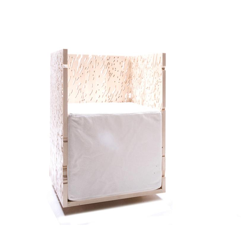 Кресло NaturaleИнтерьерные кресла<br>Футуристическое кресло, созданное из противоположностей: искусственных и натуральных материалов, острых углов и ровной линии спинки и подлокотников и хаотических отверстий в виде пор в структуре фанеры. Идеально впишется в интерьер в стиле минимализм и хай-тек.&amp;lt;div&amp;gt;&amp;lt;br&amp;gt;&amp;lt;/div&amp;gt;&amp;lt;div&amp;gt;Высота сидения 45 см&amp;lt;/div&amp;gt;&amp;lt;div&amp;gt;Материал: березовая фанера, огонь, колерованый водный лак, поролон, бычья кожа.&amp;lt;/div&amp;gt;&amp;lt;div&amp;gt;Варианты отделки: жженая фанерная поверхность, поверхность белого или черного цвета.&amp;lt;/div&amp;gt;&amp;lt;div&amp;gt;Срок изготовления: 4-5 недель.&amp;lt;/div&amp;gt;<br><br>Material: Кожа<br>Length см: None<br>Width см: 52.7<br>Depth см: 46.7<br>Height см: 75.0<br>Diameter см: None