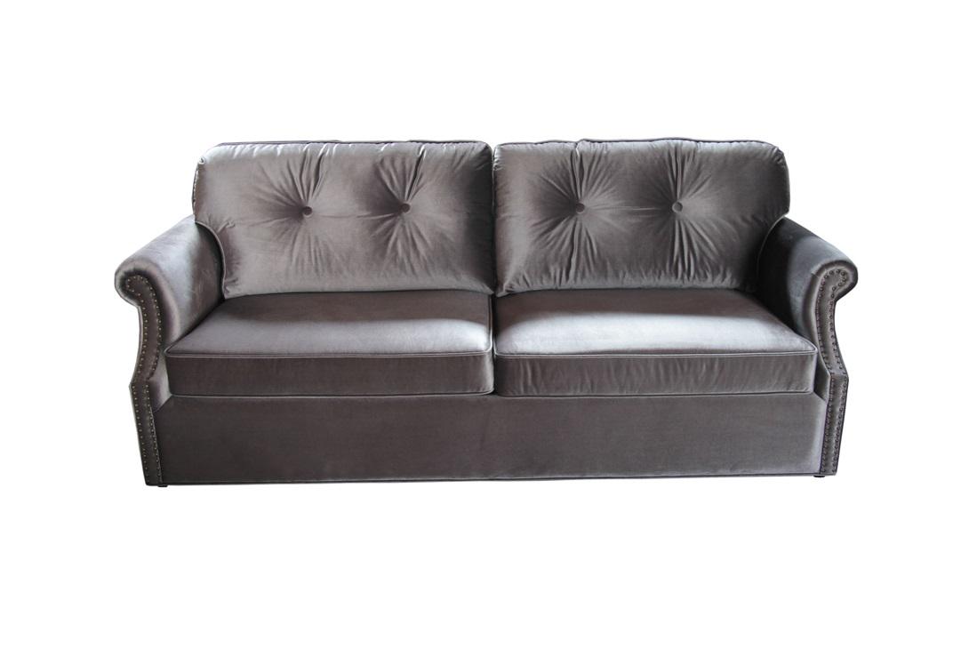 ДиванДвухместные диваны<br>Двухместный диван со стеганой спинкой в английском стиле с отделкой из бархата серого цвета. Мягкая уютная форма и легкая конструкция не останется без внимания.<br><br>Диван не раскладной.<br><br>Материал: бархат<br>Цвет: серый<br><br>Material: Бархат<br>Ширина см: 162<br>Высота см: 87<br>Глубина см: 90