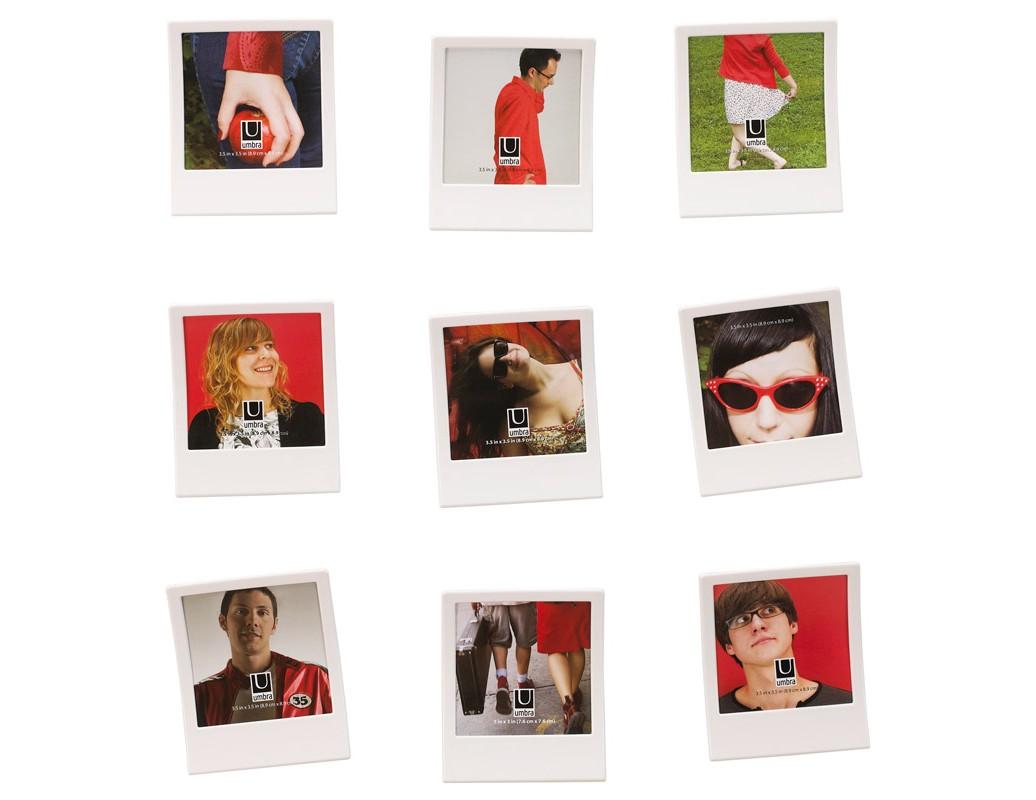 Набор из 9 фоторамок SnapРамки для фотографий<br>Декоративные рамки для стен от Alan Wisniewski украсят интерьер любой комнаты и сохранят самые приятные воспоминания. Поверхность рамки подходит для подписи маркером (маркер в комплект не включен), которую можно стирать сколько угодно раз. Легко прикрепляются к стене с помощью приложенных креплений или двустороннего скотча. Очень напоминают ретро-фотографии из пленочного фотоаппарата.<br><br>Поставляется в подарочной упаковке Umbra.<br><br>В комплекте девять рамок и набор для крепления к стене.<br><br>Material: Пластик<br>Width см: 9<br>Depth см: 1<br>Height см: 9