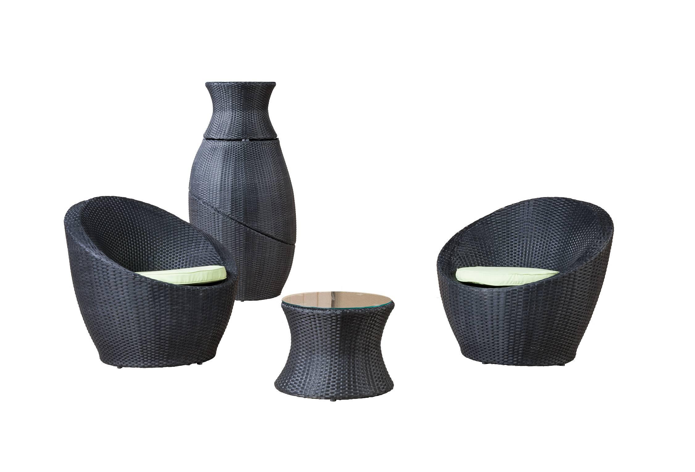 Комплект мебели ТуллонКомплекты уличной мебели<br>&amp;lt;div&amp;gt;Набор из двух стульев и кофейного столика со стеклянной столешницей толщиной 8 мм. Идет в комплекте с подушками.&amp;amp;nbsp;&amp;lt;/div&amp;gt;&amp;lt;div&amp;gt;&amp;lt;br&amp;gt;&amp;lt;/div&amp;gt;&amp;lt;div&amp;gt;Алюминиевый каркас, искусственный ротанг, плетение плоское.&amp;amp;nbsp;&amp;lt;/div&amp;gt;&amp;lt;div&amp;gt;Цвет подушек белый.&amp;amp;nbsp;&amp;lt;/div&amp;gt;&amp;lt;div&amp;gt;Журнальный столик: 40х51 см.&amp;amp;nbsp;&amp;lt;/div&amp;gt;&amp;lt;div&amp;gt;Кресло: 75х75х85 см&amp;lt;/div&amp;gt;<br><br>Material: Ротанг<br>Width см: 75<br>Depth см: 75<br>Height см: 85