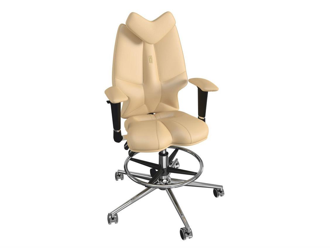 Кресло FLYРабочие кресла<br>Эта яркая и необычная модель заметно выделяется из массы привычных для нас кресел. Его оригинальный контур и насыщенная расцветка не могут остаться незамеченными, а специальная эргономичная форма кресла создана для того, что бы защищать детскую осанку от искривлений.&amp;amp;nbsp;<br><br>Material: Кожа<br>Length см: None<br>Width см: 63<br>Depth см: 47<br>Height см: 114<br>Diameter см: None