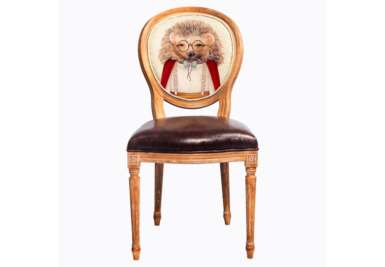 Стул «Мистер Ёж»Обеденные стулья<br>&amp;lt;div&amp;gt;Помимо дизайнерского изобретения, стул наделен прочностью и долговечностью, присущей мебели из натурального бука.Стул &amp;quot;Мистер Ёж&amp;quot; - универсальное, но отборное решение гостиной, столовой, спальни, кабинета, холла и детской комнаты.&amp;amp;nbsp;&amp;lt;/div&amp;gt;&amp;lt;div&amp;gt;В дизайне &amp;quot;Мистер Ёж&amp;quot; резьба играет ведущую роль: стул обильно украшен изящным цветочным узором, желобками и кольцами, выточенными с ювелирной меткостью. Комфортабельность, прочность и долговечность сиденья обеспечены подвеской из эластичных ремней.<br>Обивка спинки оснащена тефлоновым покрытием против пятен.&amp;amp;nbsp;&amp;lt;br&amp;gt;&amp;lt;/div&amp;gt;&amp;lt;div&amp;gt;&amp;lt;br&amp;gt;&amp;lt;/div&amp;gt;&amp;lt;div&amp;gt;Материал: бук, экокожа, лен, хлопок.&amp;lt;br&amp;gt;&amp;lt;/div&amp;gt;&amp;lt;div&amp;gt;Корпус стула изготовлен из натурального бука.&amp;lt;br&amp;gt;&amp;lt;/div&amp;gt;&amp;lt;div&amp;gt;&amp;lt;div&amp;gt;&amp;lt;br&amp;gt;&amp;lt;/div&amp;gt;<br><br>&amp;lt;iframe width=&amp;quot;530&amp;quot; height=&amp;quot;315&amp;quot; src=&amp;quot;https://www.youtube.com/embed/3vitXSFtUrE&amp;quot; frameborder=&amp;quot;0&amp;quot; allowfullscreen=&amp;quot;&amp;quot;&amp;gt;&amp;lt;/iframe&amp;gt;&amp;lt;/div&amp;gt;<br><br>Material: Дерево<br>Ширина см: 50<br>Высота см: 98<br>Глубина см: 47