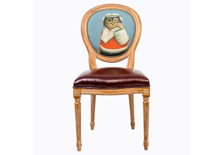 Стул Мистер АллонжОбеденные стулья<br>Каркас и ножки стула изготовлены из древесины бука, которая отличается прочностью,  плотностью и основательной твердостью изделия.  Этот стул удобен в использовании. У него мягкая спинка и комфортное сиденье. Обивочная ткань спинки стула из льна и хлопка покрыта тефлоновым покрытием против пятен. Стул имеет подвеску из эластичных ремней, что делает его удобным, прочным и долговечным. Деревянная поверхность изделия браширована, обнажая естественный цвет и фактуру древесины и придавая мебели самобытный характер.&amp;amp;nbsp;&amp;lt;div&amp;gt;&amp;lt;br&amp;gt;&amp;lt;/div&amp;gt;&amp;lt;div&amp;gt;Материал: каркас стула бук, обивка спинки 20% лен, 80% полиэстер с тефлоновым покрытием против пятен, обивка сиденья эко-кожа.&amp;lt;/div&amp;gt;&amp;lt;div&amp;gt;&amp;lt;br&amp;gt;&amp;lt;/div&amp;gt;&amp;lt;div&amp;gt;&amp;lt;br&amp;gt;&amp;lt;/div&amp;gt;&amp;lt;div&amp;gt;&amp;lt;br&amp;gt;&amp;lt;/div&amp;gt;&amp;lt;div&amp;gt;&amp;lt;br&amp;gt;<br>&amp;lt;iframe width=&amp;quot;530&amp;quot; height=&amp;quot;315&amp;quot; src=&amp;quot;https://www.youtube.com/embed/3vitXSFtUrE&amp;quot; frameborder=&amp;quot;0&amp;quot; allowfullscreen=&amp;quot;&amp;quot;&amp;gt;&amp;lt;/iframe&amp;gt;&amp;lt;/div&amp;gt;<br><br>Material: Дерево<br>Width см: 50<br>Depth см: 47<br>Height см: 98