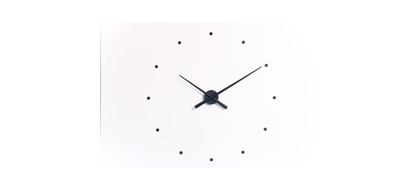 """Часы OjНастенные часы<br>&amp;lt;div&amp;gt;Дизайнерские часы OJ и OJ Mini выражают новую концепцию в дизайне аксессуара, который для стильного дома или офиса обязателен. Блистательный Хосе Мария Рейна предлагает минималистичную, универсальную и актуальную модель, которая легко """"встраивается"""" в обстановку. Купив настенные часы OJ Mustard, вы сможете использовать их в самых разных по функциональному наполнению пространствах. Корпус, стрелки, часовые деления часов OJ выполнены из пластика и окрашены в универсальный чёрный цвет. Также в коллекции представлены часы белого, фиолетового, красного, оранжевого, шоколадного, горчичного, синего, стального синего, серого, серебряного, зелёного, тыквенного, розового и ультрамаринового цвета. Чтобы вы правильно расположили элементы конструкции, к каждому изделию Nomon прилагается специальный трафарет. За исправный ход стрелок отвечает качественный кварцевый механизм UTS (Германия). &amp;amp;nbsp;Стандартная модель OJ выполнена в диаметре 80 см, вариант mini — 50 см. Обратите внимание, что размер не влияет на цену часов.&amp;lt;/div&amp;gt;&amp;lt;div&amp;gt;&amp;lt;br&amp;gt;&amp;lt;/div&amp;gt;&amp;lt;div&amp;gt;Часы работают от пальчиковой батарейки АА 1,5 V (элементы питания в комплекте не идут).&amp;lt;/div&amp;gt;<br><br>Material: Металл<br>Length см: None<br>Width см: None<br>Depth см: None<br>Height см: None<br>Diameter см: 80"""