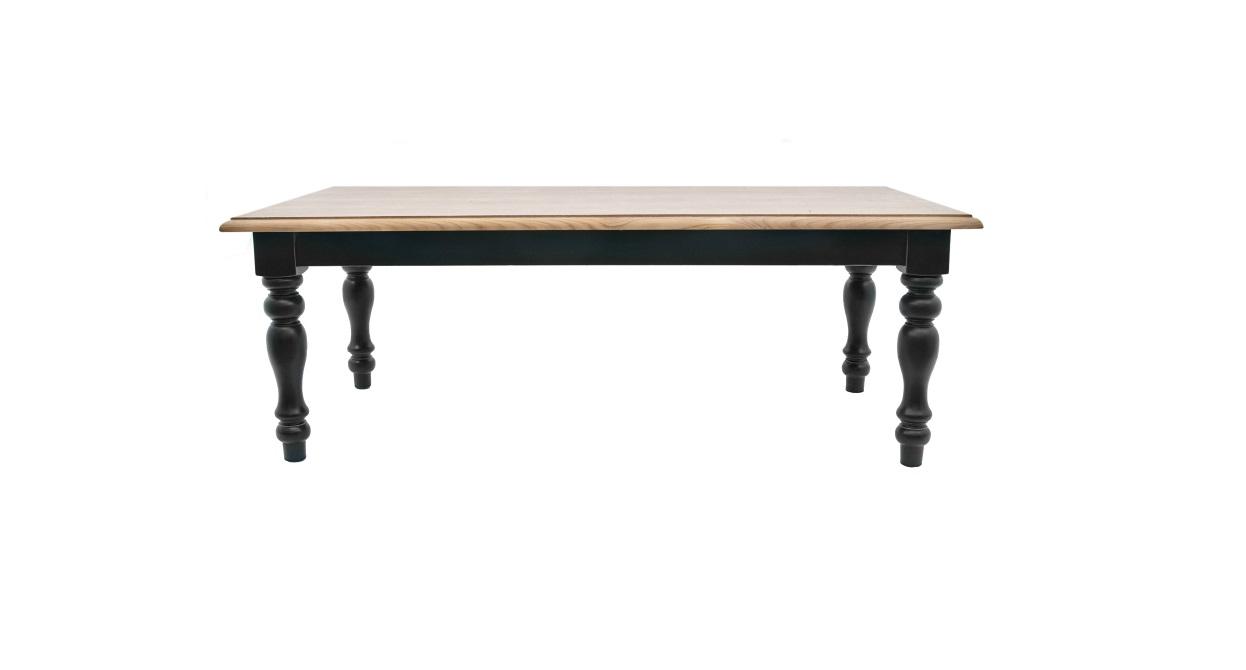 Стол KamelОбеденные столы<br>Стол Kamel — модель прямоугольной формы, основание изготовлено из массива ценных пород дерева. Установлен на изящные резные ножки. Изысканный классический стол сможет вписаться в любой интерьер.&amp;amp;nbsp;&amp;lt;div&amp;gt;&amp;lt;br&amp;gt;&amp;lt;/div&amp;gt;&amp;lt;div&amp;gt;&amp;lt;span style=&amp;quot;line-height: 24.9999px;&amp;quot;&amp;gt;Материал: массив дуба, МДФ&amp;lt;/span&amp;gt;&amp;lt;br&amp;gt;&amp;lt;/div&amp;gt;<br><br>Material: Дуб<br>Width см: 155<br>Depth см: 80<br>Height см: 55