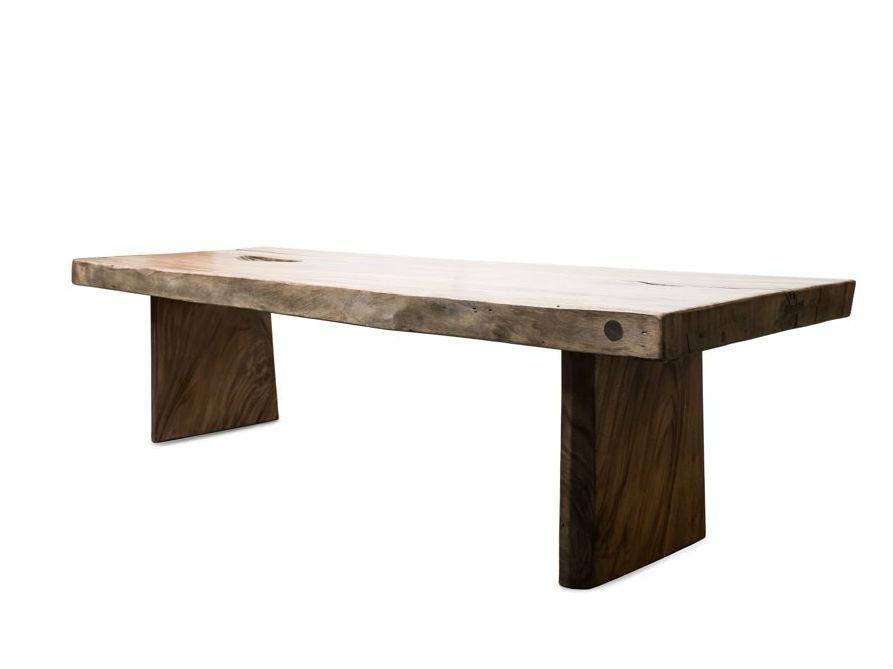 Стол Wild Edge 250Обеденные столы<br>Собираться за большим столом – теплая семейная традиция, которая становится еще теплее, если этот стол – из «живого» суара, со своими выразительными «изюминками», которыми его наделила природа.&amp;amp;nbsp;<br><br>Material: Дерево<br>Width см: 250<br>Depth см: 100<br>Height см: 78
