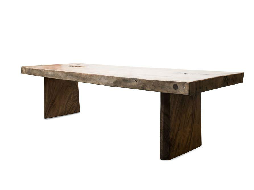 Стол Wild Edge 300Обеденные столы<br>Собираться за большим столом – теплая семейная традиция, которая становится еще теплее, если этот стол – из «живого» суара, со своими выразительными «изюминками», которыми его наделила природа.&amp;amp;nbsp;<br><br>Material: Дерево<br>Ширина см: 300<br>Высота см: 78<br>Глубина см: 100