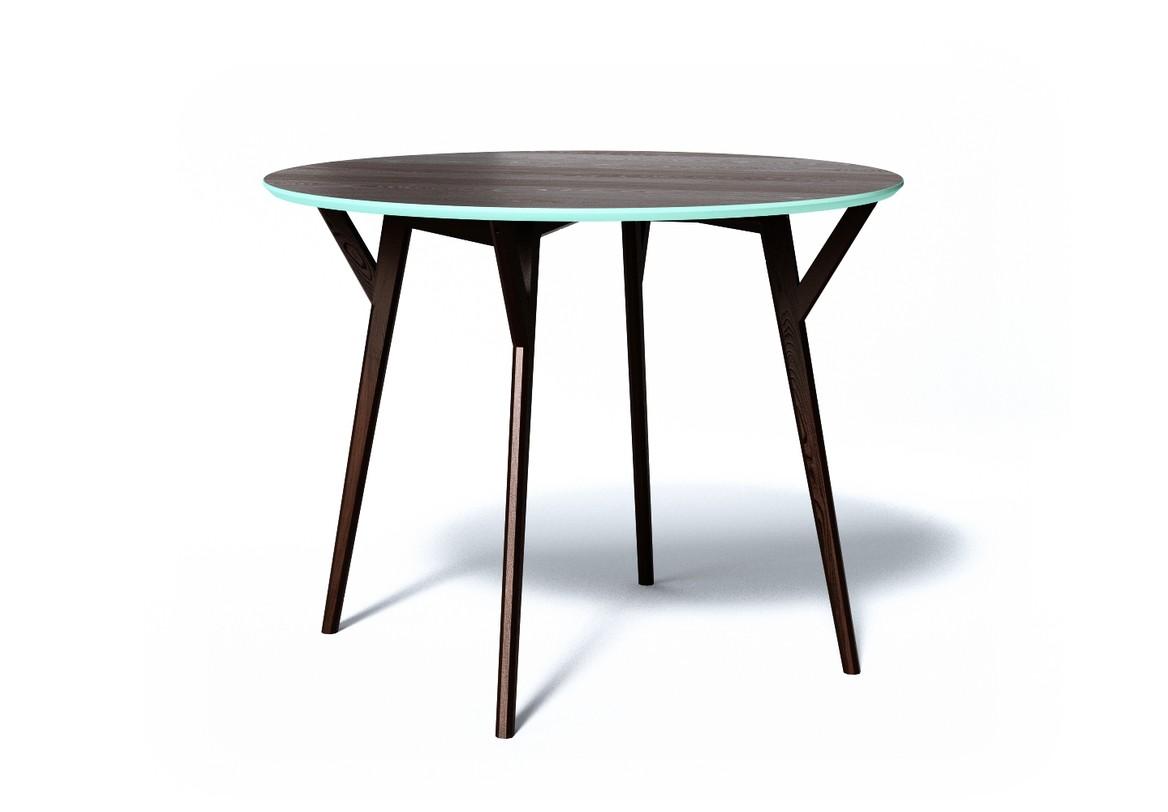 Обеденный стол CIRCLEОбеденные столы<br>Обеденный стол CIRCLE отлично подходит для небольшой компании. Продуманные формы, натуральные материалы и яркие цвета делают стол CIRCLE притягательным центром интерьера.<br><br>Material: Дерево<br>Length см: None<br>Width см: None<br>Depth см: None<br>Height см: 75<br>Diameter см: 102
