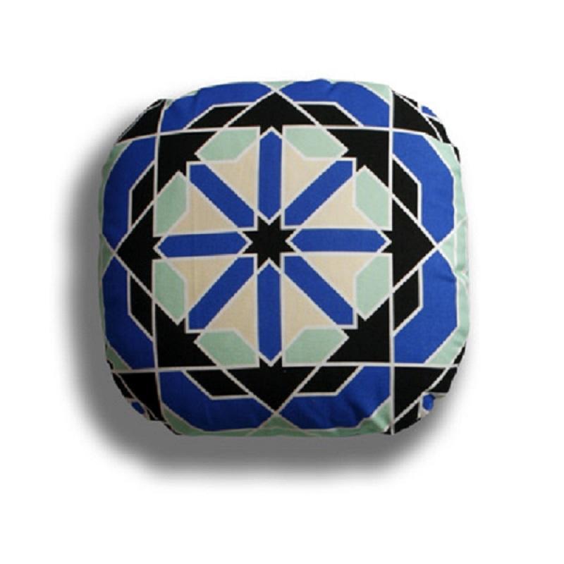 Подушка CairoКвадратные подушки<br>&amp;lt;span style=&amp;quot;line-height: 24.9999px;&amp;quot;&amp;gt;На выбор любой цвет подушки.&amp;lt;/span&amp;gt;<br><br>Material: Текстиль<br>Width см: 39<br>Depth см: 13<br>Height см: 39