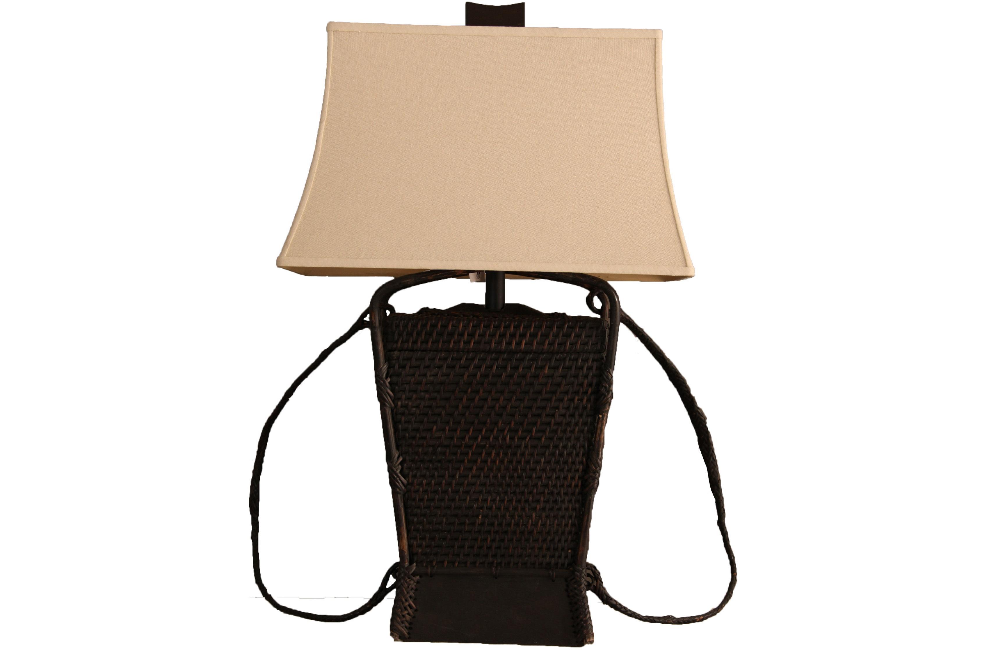 Настольная Лампа MalampayaДекоративные лампы<br>The Natural Light – это целая философия света, которая заключается всего в нескольких простых словах: природа – это лучшее, что у нас есть. Сохраняя любовь к природе и умело воплощая природную теплоту в предметах декора, компания создает по-настоящему великолепные вещи, способные преобразить любое пространство.&amp;amp;nbsp;&amp;lt;div&amp;gt;&amp;lt;br&amp;gt;&amp;lt;/div&amp;gt;&amp;lt;div&amp;gt;&amp;lt;div&amp;gt;Вид цоколя: Е27&amp;lt;/div&amp;gt;&amp;lt;div&amp;gt;Мощность лампы: 100W&amp;lt;/div&amp;gt;&amp;lt;div&amp;gt;Количество ламп: 1&amp;lt;/div&amp;gt;&amp;lt;/div&amp;gt;<br><br>Material: Текстиль<br>Length см: 0<br>Width см: 51<br>Depth см: 51<br>Height см: 86<br>Diameter см: 0