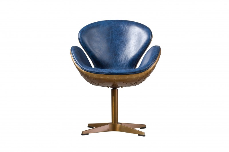 Кресло Swan Chateau blueРабочие кресла<br>Невероятно стильное кресло Swan Chateau blue идеально подойдет для рабочего кабинета или брутальной гостиной, благодаря благородному сочетанию позолоченного металла и натуральной кожи синего цвета.<br><br>Material: Кожа<br>Width см: 72<br>Depth см: 63<br>Height см: 91