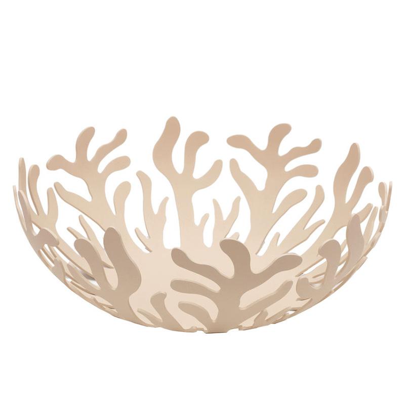 Ваза для фруктов MediterraneoЧаши<br>Ажурная ваза для фруктов. Входит в коллекцию Mediterraneo, изящные витиеватые линии которой были позаимствованы у морских кораллов. Кажется, что предметы коллекции принадлежат подводному миру, а используемый металл только фиксирует едва уловимую форму. Соединив мягкие женственные черты с прочным материалом, Сильвестрис удалось найти идеальную формулу для передачи «морского» настроения, выраженного в оригинальном и функциональном дизайне.&amp;amp;nbsp;<br><br>Material: Сталь<br>Height см: 10,8<br>Diameter см: 29