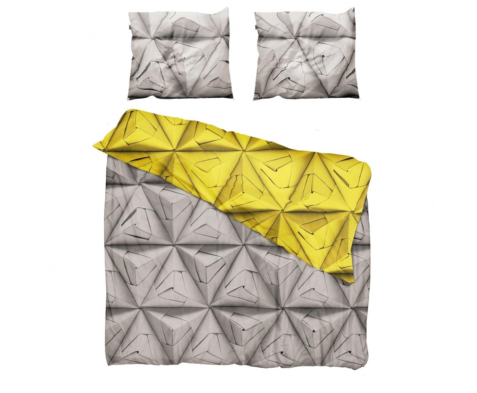 Комплект постельного белья Оригами желтыйДвуспальные комплекты постельного белья<br>Мы обновили наш известный принт Geogami. Раньше он был пестрым, а теперь в нем сочетаются два контрастных цвета. На одной стороне-нейтральный серый цвет, а на другой-остромодный! Комплект существует в горчичном, васильковом и коралловом оттенках.&amp;amp;nbsp;&amp;lt;div&amp;gt;&amp;lt;br&amp;gt;&amp;lt;/div&amp;gt;&amp;lt;div&amp;gt;Материал: 100% хлопок ПЕРКАЛЬ (плотность ткани 214г/м2).&amp;amp;nbsp;&amp;lt;/div&amp;gt;&amp;lt;div&amp;gt;В комплект входит: пододеяльник 200х220см - 1 шт, наволочка 50х70см - 2 шт.&amp;lt;/div&amp;gt;<br><br>Material: Хлопок<br>Length см: 220<br>Width см: 200